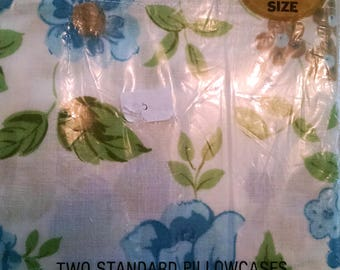 Two Cannon Monticello Standard Vintage Floral Pillow Cases Shabby Cottage Chic Bedroom Pillowcases in Package White Blue Flower Green Leaves