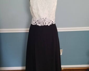 Totally 80's Vintage Prom/Bridesmaid/Mother of the Bride - Jessica McClintock Formal Sleeveless Black and White Lace Top Dress - Size 8
