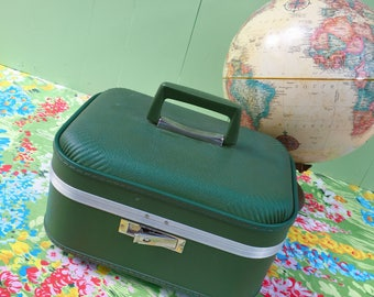 Vintage Train Case Green, Cosmetic Case, Vintage Luggage, Vintage Overnight Case, Storage Case