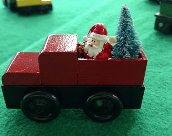 CHRISTMAS PICKUP TRUCK