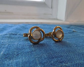 Mens Vintage Gold Tone Cuff Links with Pearlescent Stone