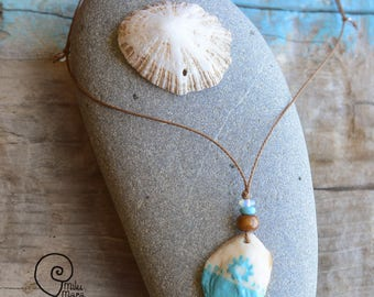 Surf style shell handpainted sun symbol necklace
