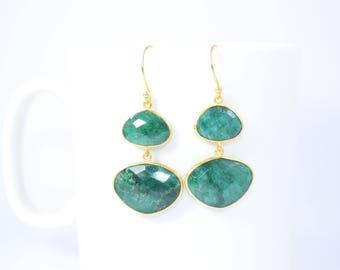emerald earring,emerald irregular shape earring,emerald dangle earring,emerald jewelry,emerald gemstone earring,Christmas gift,birthday gift