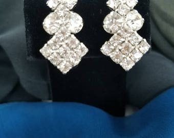 Gorgeous & Sparkling!  Clear Rhinestone Clip Earrings