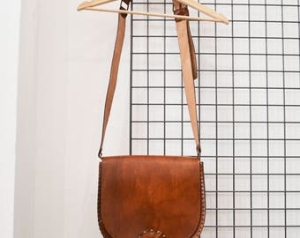 Handcrafted leather shoulder bag made in Italy vintage 70s purse bad
