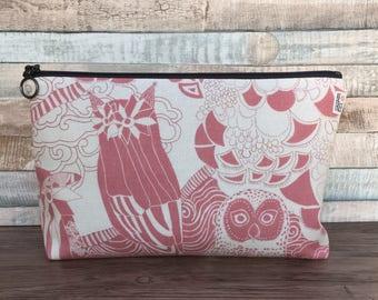 Owl Makeup Bag – Unique Pink Scandinavian Linen Japanese Fabric Handmade – Cosmetics Case Zipper Pouch Zippered Toiletry Toiletries Cosmetic