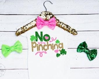 Baby Girls Saint Patricks Day Onesie, No Pinching Onesie, St Pattys Day Outfit, Saint Patricks Day Outfit, Newborn Saint Patricks Day
