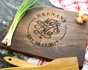 Mr and Mrs Personalized Cutting Board - Engraved Cutting Board, Custom Cutting Board, Wedding Gift, Bridal Shower, Anniversary Gift (041)