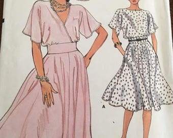 Very Easy Vogue # 8970 Pattern Misses Dress Size 14