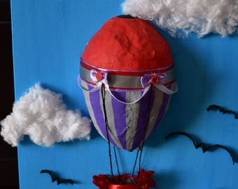 Hot air balloon with buttons