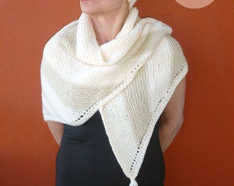 Trendy shawl, cream and beige