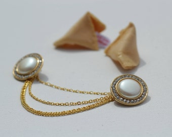 """Necklace to wear on a shirt collar """"lucky pearl"""""""