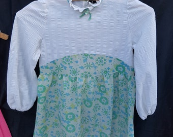 True Retro original green and white girls dress/frock/pinafore/vintage lacey