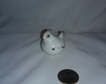 Vintage ceramic hand painted hen, ceramic hen knick knack,Ceramic hen figurine