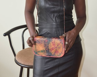 Leather handbag, medium size.