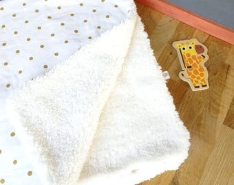 Baby blanket in organic cotton with gold dots and Sheepskin fur
