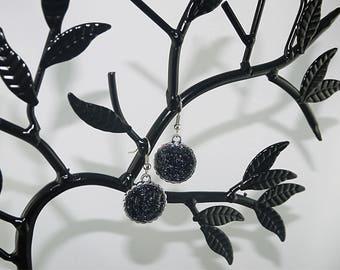EARRINGS black pearls, enamel, rhodium silver inclusions