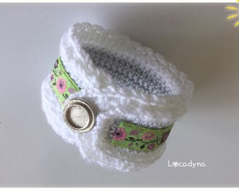 Romantic Crochet Cuff Bracelet - Acrylic white gray - multicolor Ribbon - teenager or young woman-handmade gift - button closure