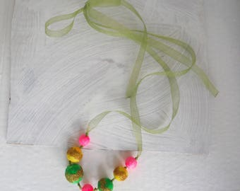 Lollipop necklace with beads in fluorescent pink glittery yellow-green diy pasta/necklace