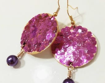 Fuchsia glitter gold earrings with bead/earrings