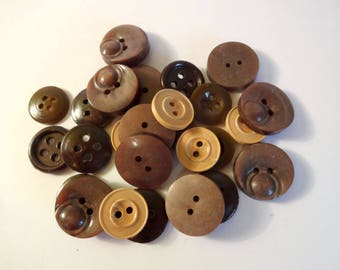 26 Brown buttons - used - couture - scrapbooking