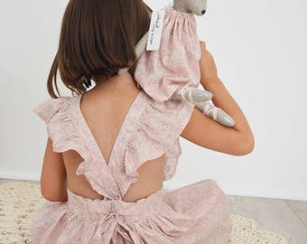 The Bichette Augustine: natural linen and liberty Capel Nude dress doll