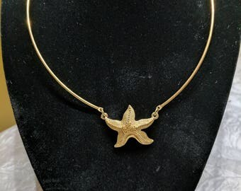 Gold Tone Starfish Necklace Pendant Choker - Vintage Sarah Coventry Signed
