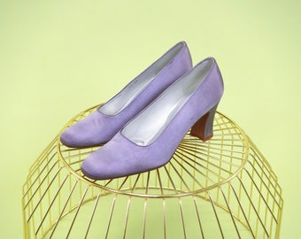 Special find vintage hand-dyed pearlescent lilac Stuart Weitzman pumps