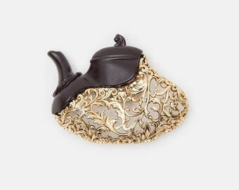 Antique style tea potmagnet brooch