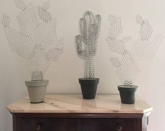 Hand-crafted Cactus in wire mesh (with or without lamp)
