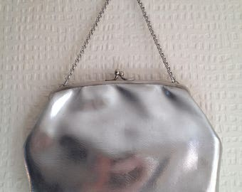 80's Silver evening snap-fastening purse with silver chain