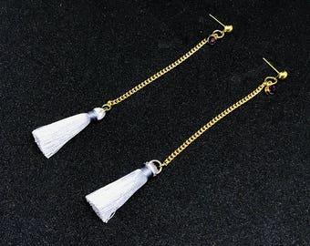 Tassel earrings in grey