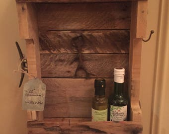 Veteran Made - Hunter's Rustic Pallet Box Shelf with Hooks
