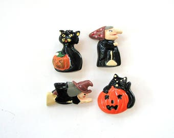 set of 4 plastic 1980s Halloween pins . witch brooch, black cat brooches, jack-o-lantern pins