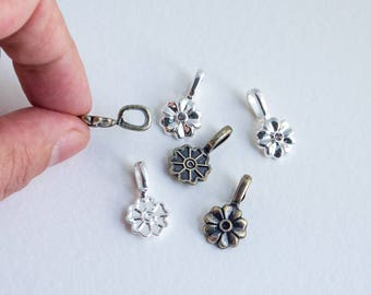 Flower - Glue-on bails - Antiqued brass finish or Silver plated finish - 6 x 4 mm loop opening - Set of 3