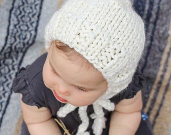 White Knit Baby Bonnet, Chunky Knit Hat for Babies, Cozy Baby Hat for Winter, Winter Bonnet for Babies