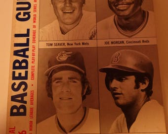 1976 Official Baseball Guide Published by the Sporting News, Tom Seaver, Joe Morgan, Jim Palmer, Fred Lynn, Major Leagues, Rookie Leagues