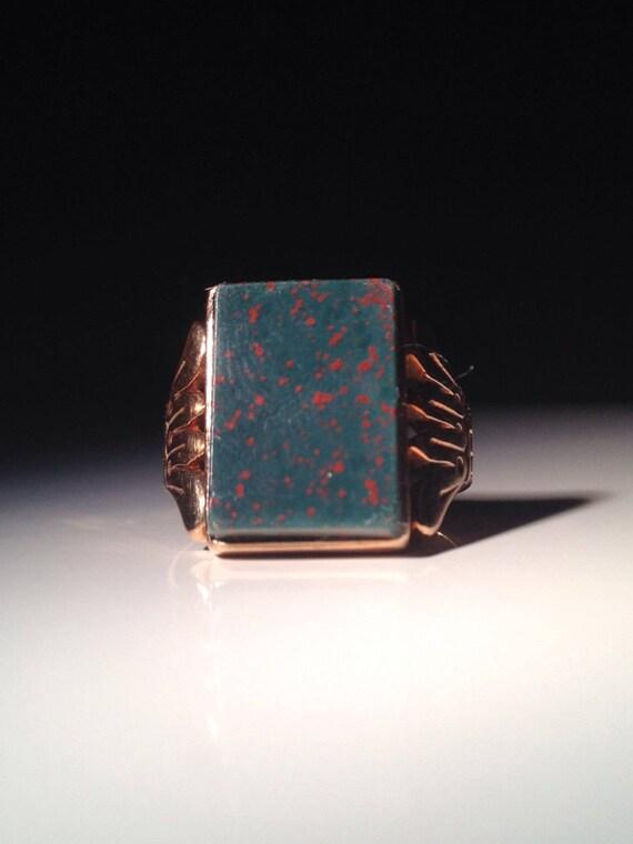 1895 Stately 18 KT Gold English Bloodstone Ring