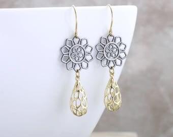 Solid Gold Filigree Flower Earrings Black And Gold Teardrop Earrings Modern Jewelry Bohemian Gold Earrings Elegant 14k Gold Earrings Gift