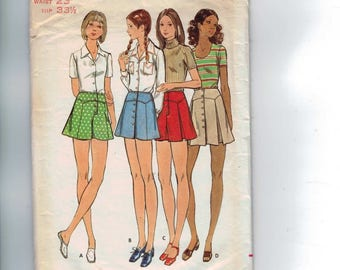 1970s Vintage Sewing Pattern Butterick 6592 MIsses Yoked Mini Skirt Pleated Pantskirt Shorts Waist 23