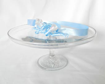 pedestal cake stand, serving cupcakes, pressed glass, vintage, party, wedding, dining