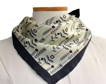 Silk Pocket Square / Daisy Silk Pocket Square / Ivory Silk Pocket Square / Floral Pocket Square / Floral Neckerchief / Wedding Accessory
