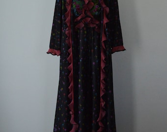 Vintage Black Floral Peignoir Set, Silfra, 1970s Peignoir Set, Vintage Peignoir Set, Peignoir Set, Robe and Nightgown Set, Floral Peignoir