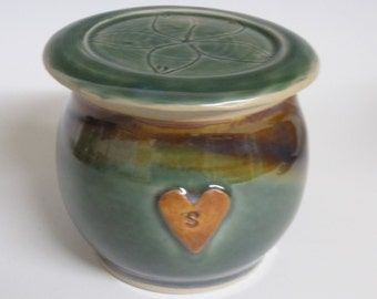 Salt jar / sugar jar / pottery / handmade / storage jar / ceramic jar / small jar / jar with lid / ready to ship
