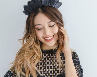 Black leather leaf crown Fascinator // Black leaf crown headband / Black leather fascinator / leather races fascinator headpiece / derby day