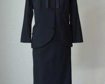 1950s Don Loper Skirt Suit / Vintage Couture / Extra Fine Black Wool and Silk Satin Trim / 50s Suit / Black Suit / Vintage Jacket / Medium