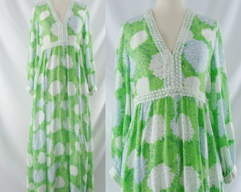 Vintage Seventies Dress - 1970s Green Floral Boho dress - 70s Bohemian Maxi Dress - Small