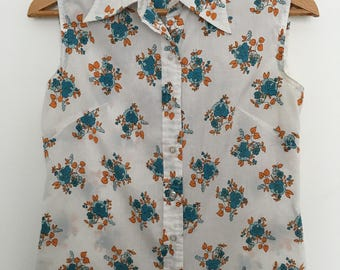 Floral Button Up Sleeveless Blouse