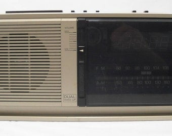 Vintage Panasonic RC-6310 FM / AM Dual Wake Up Alarm Clock Radio Works Free Shipping