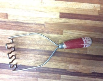 Red Handle Masher/Vintage kitchen tool/retro kitchen decor/wooden red handle potato masher/prop